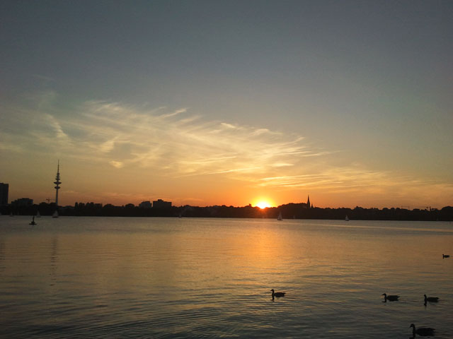 Sunset at Alster lake in Hamburg (Sept. 2013). Photo: Rajnish Tiwari